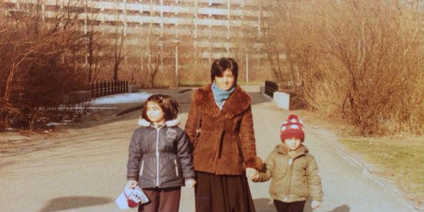 Murat Isik, moeder en zus in Bijlmer
