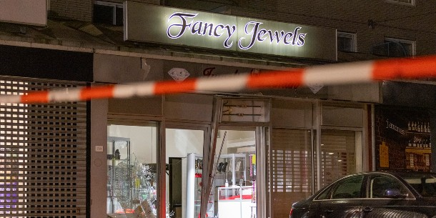 Ramkraak op juwelier Lachman aan het Bijlmerplein