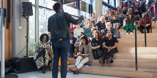 """EXCLUSIEF  INTERVIEW: Kunstenaar Mohau Modisakeng: """"het Nelson Mandela-gedenkteken vertegenwoordigt de gemeenschap."""""""