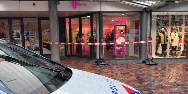 Overval T-Mobile Bijlmerplein in Amsterdam